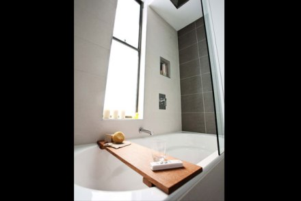 4-2 bathroom bathtub